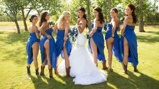 Illustration for article titled Bridesmaids Flashing Ass Is the Hot New Wedding Photo Trend