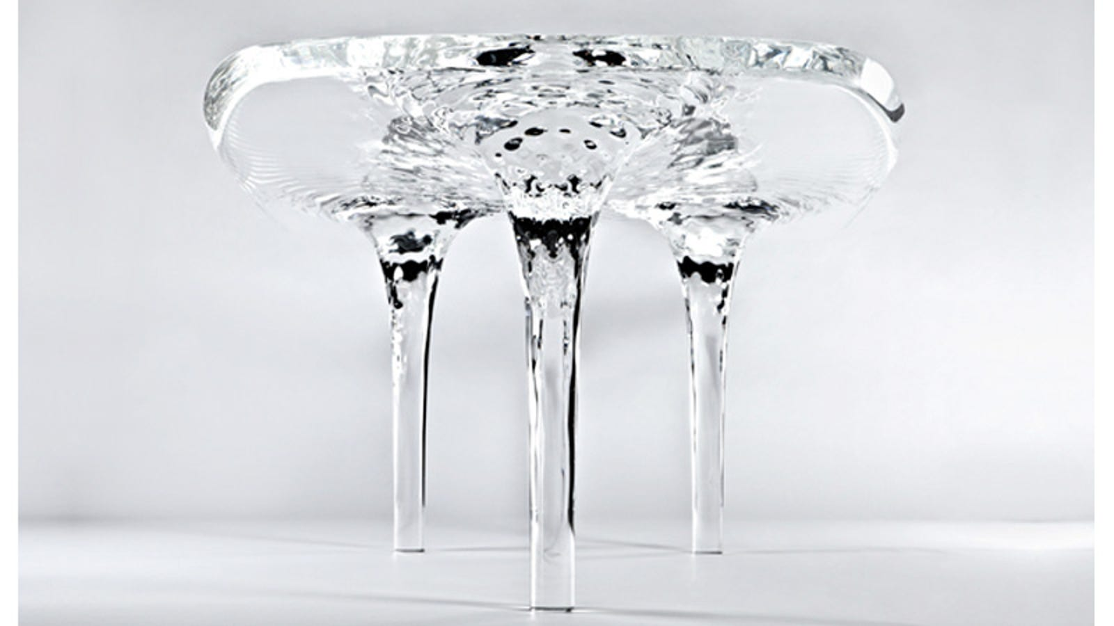Stunning Ice Sculpture Table Will Never Melt Away