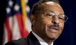 Former Sen. Roland Burris will not run for mayor of Chicago.