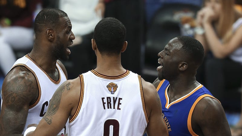 """Illustration for article titled LeBron Did Not Appreciate Draymond Green Calling Him A """"Bitch,"""" And The Warriors Don't Care"""