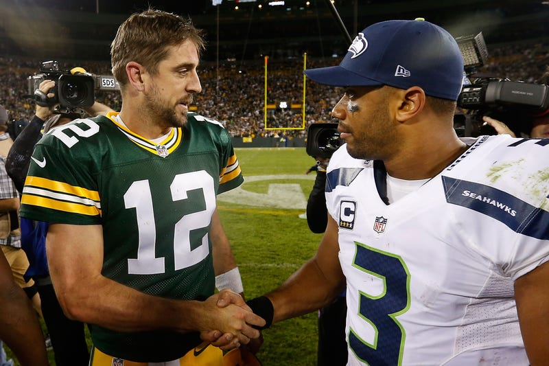 Illustration for article titled Aaron Rodgers Makes Fun Of Russell Wilson By Crediting God For The Packers' Win
