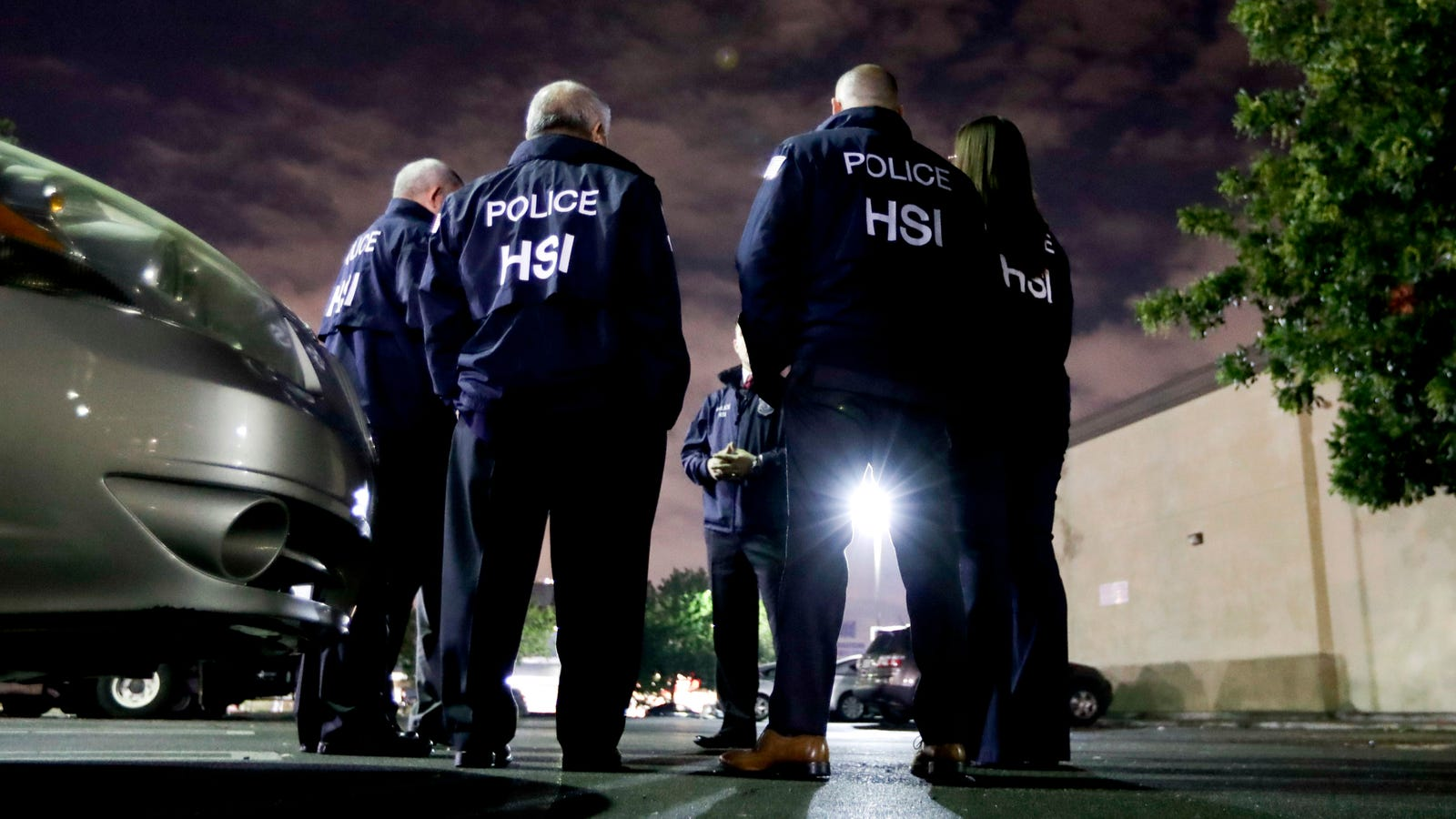ICE Arrests Polish Doctor After 40 Years Of Living in the U.S.