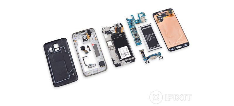 Illustration for article titled Samsung Galaxy S5 Teardown: You Ain't Changing Nothing But Its Battery