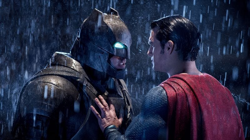 Illustration for article titled Batman V Superman: Dawn Of Justice is as inelegant as its title