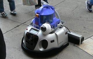 Illustration for article titled Figla Robot: Super Roomba