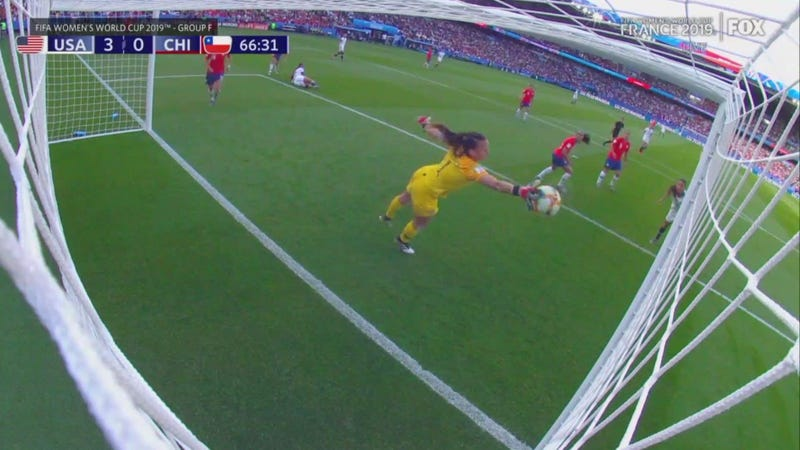 Chile's Christiane Endler Became A Goal-Stopping Machine And Frustrated The USWNT Into A Goalless Second Half