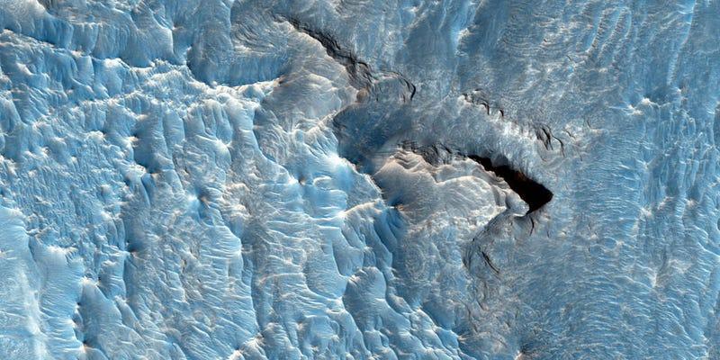 Illustration for article titled NASA Proves Mars Isn't Just One Big Desert