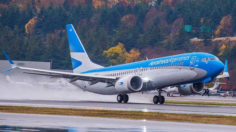 Un Boeing 737 MAX 8 de Aerolíneas Argentinas, ahora retirado temporalmente