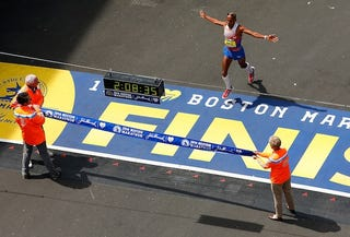 Illustration for article titled Meb Keflezighi Wins Boston Marathon. Holy Shit.