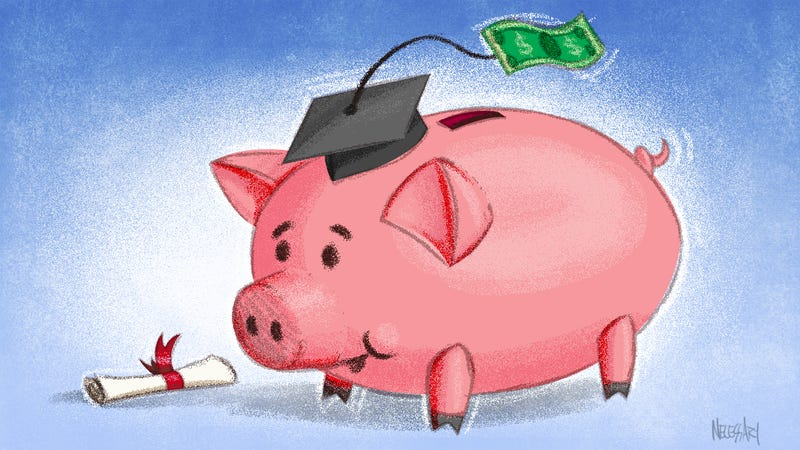 Illustration for article titled Money Advice the Experts Don't Agree On: Going to College