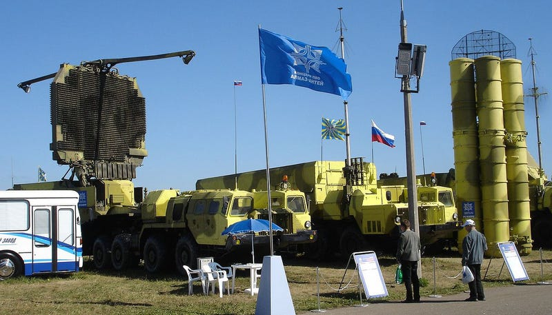 Illustration for article titled Russia Is Trying To Sell Surface To Air Missile Systems To Iran, Again