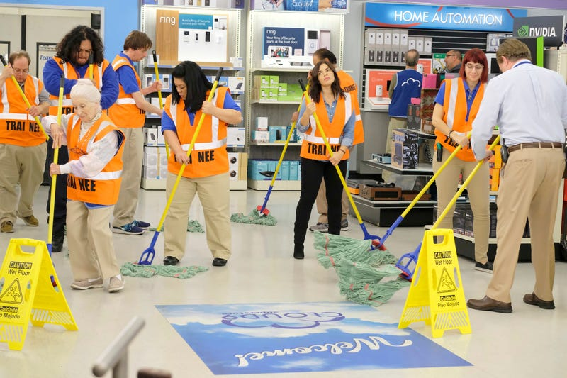 Illustration for article titled Superstore is giving workplace comedy a must-see renovation