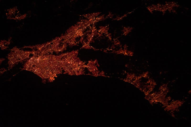 Illustration for article titled L.A. Glows Red in This Photo From the International Space Station