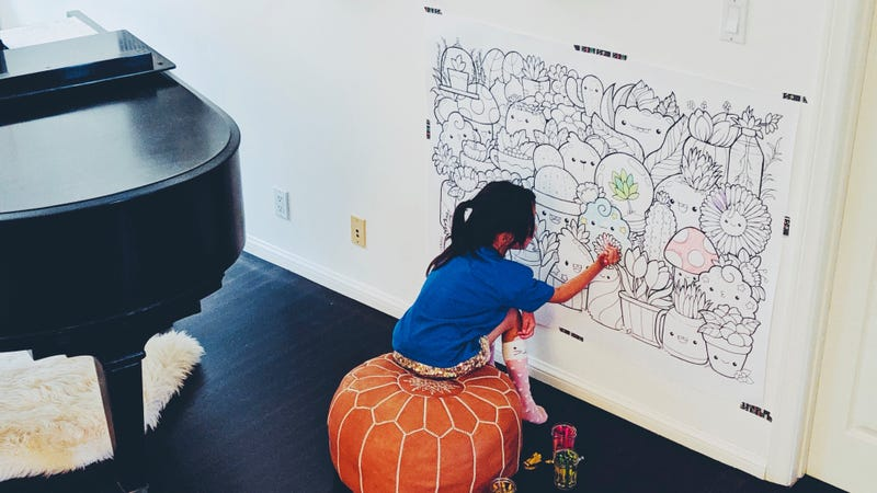 Illustration for article titled How to Create a Giant Coloring Page for Your Kid