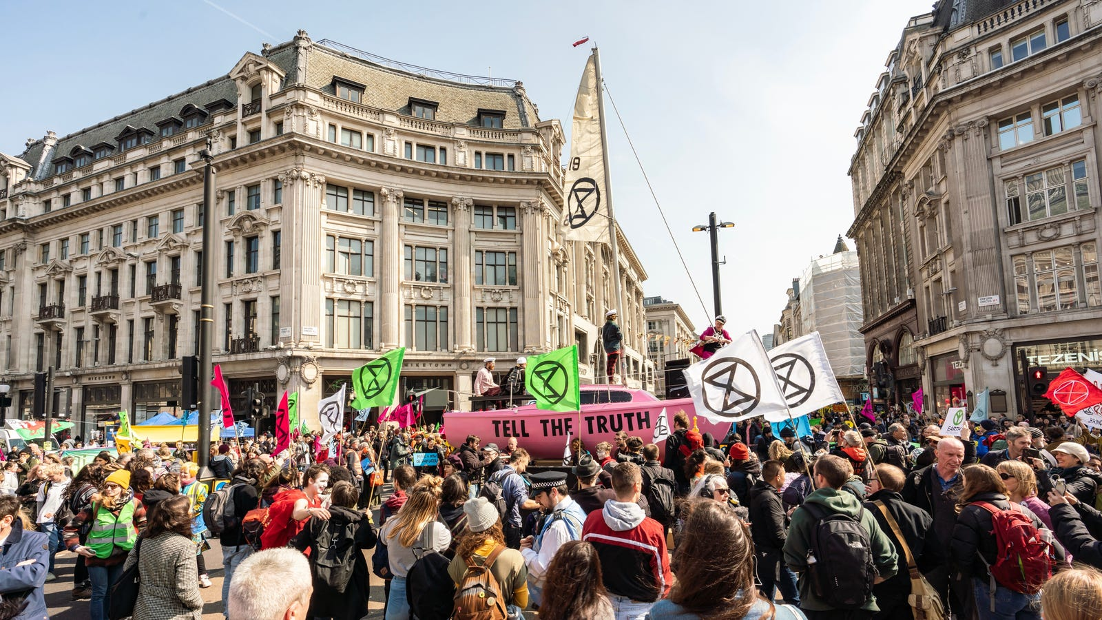 Extinction Rebellion Protesters Kick Off a Week of Global Climate Action by Shutting Down London