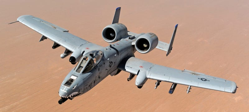 Illustration for article titled Bbbrrrrpppp! Video Shows A-10 Fighting Over Battlefield Iraq