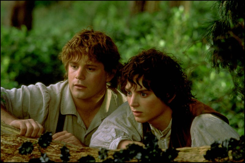Sean Astin as Samwise Gamgee and Elijah Wood as Frodo Baggins in 2001's Lord Of The Rings: The Fellowship Of The Ring (Photo: 7831/Gamma-Rapho via Getty Images)