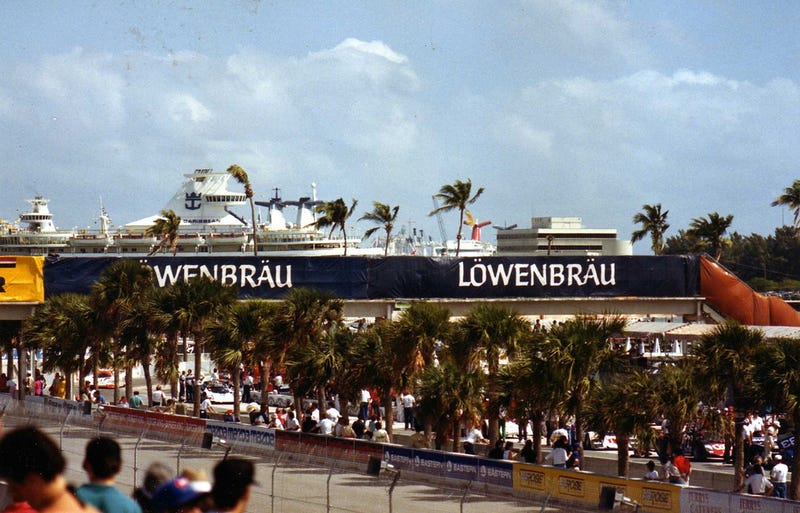 Illustration for article titled Race of the Week : 1986 Löwenbraü Grand Prix of Miami
