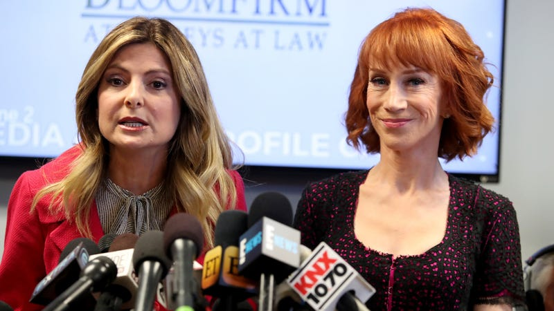 Kathy Griffin retracts apology for severed Trump head image