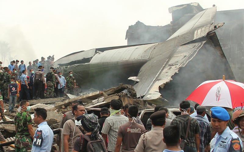 Illustration for article titled Indonesian Air Force C-130 Crashed Into A Dense Neighborhood In Medan