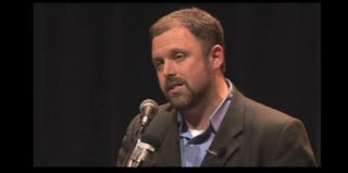 Tim Wise speaking at an event (timwise.org)