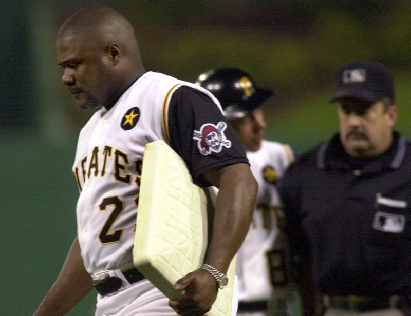 Illustration for article titled 17 Years Ago Today, Lloyd McClendon Stole First Base