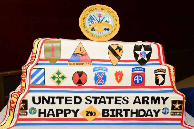 The Armys Latest Disaster Is Its Own 240th Birthday Cake