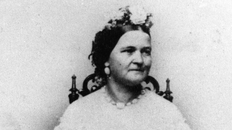 Illustration for article titled Did Mary Todd Lincoln Just Have a Health-Wrecking Vitamin B12 Deficiency All Along?