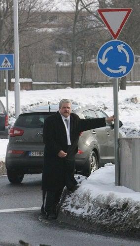 Illustration for article titled A nap Columbója: a férfi, aki hónapokig nyomozta, hogy kinek a közlekedési táblája vágta fejbe