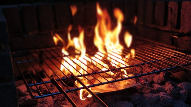 How To Clean A Grill Without Destroying It Completely