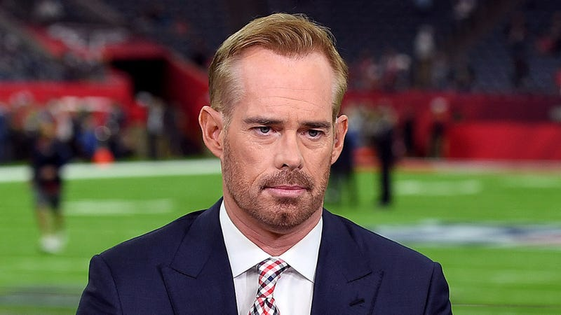 Illustration for article titled Joe Buck Tears Rotator Cuff After Awkward Throw Down To Sideline