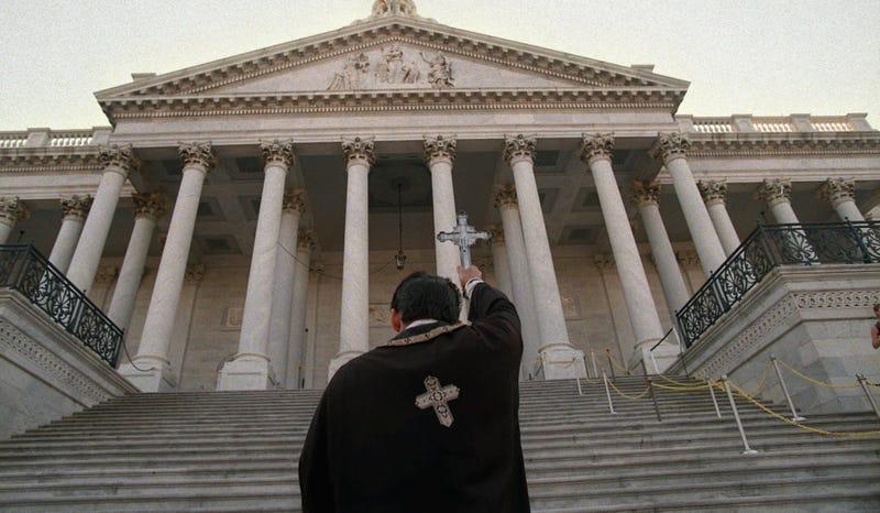 El exorcista Barón Deacon de Boston. Imagen: AP
