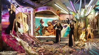 Illustration for article titled The Kardashians Are Having the 'CHRISTMAS FROM HELL,' Says Friend
