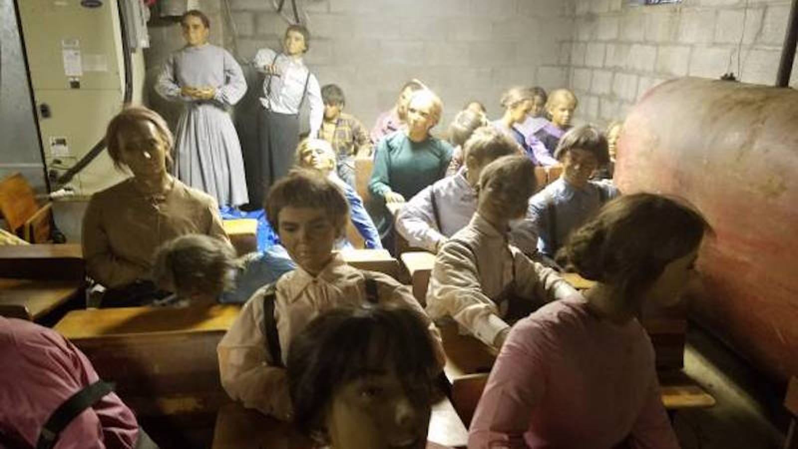 Craigslist Com Philadelphia >> You Can Buy These Absurdly Creepy Wax Amish Children for Just $300 (Each)