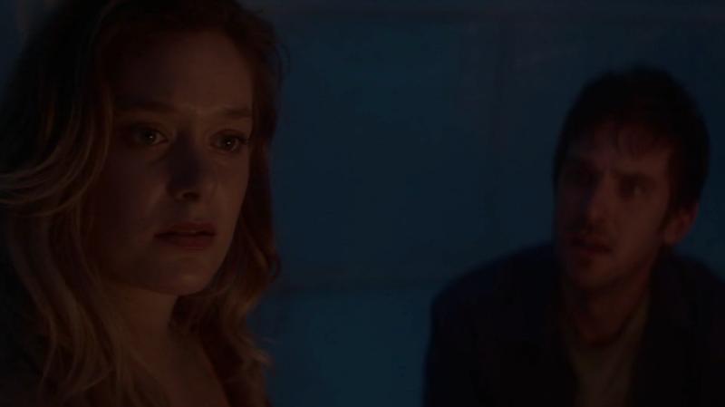 Syd (Rachel Keller) brings David (Dan Stevens) into her subconscious.