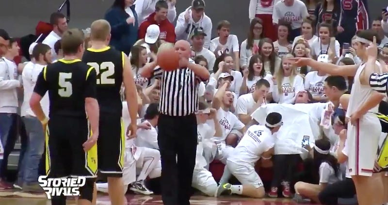 Illustration for article titled High School Student Section Sets Gold Standard For Free-Throw Distractions
