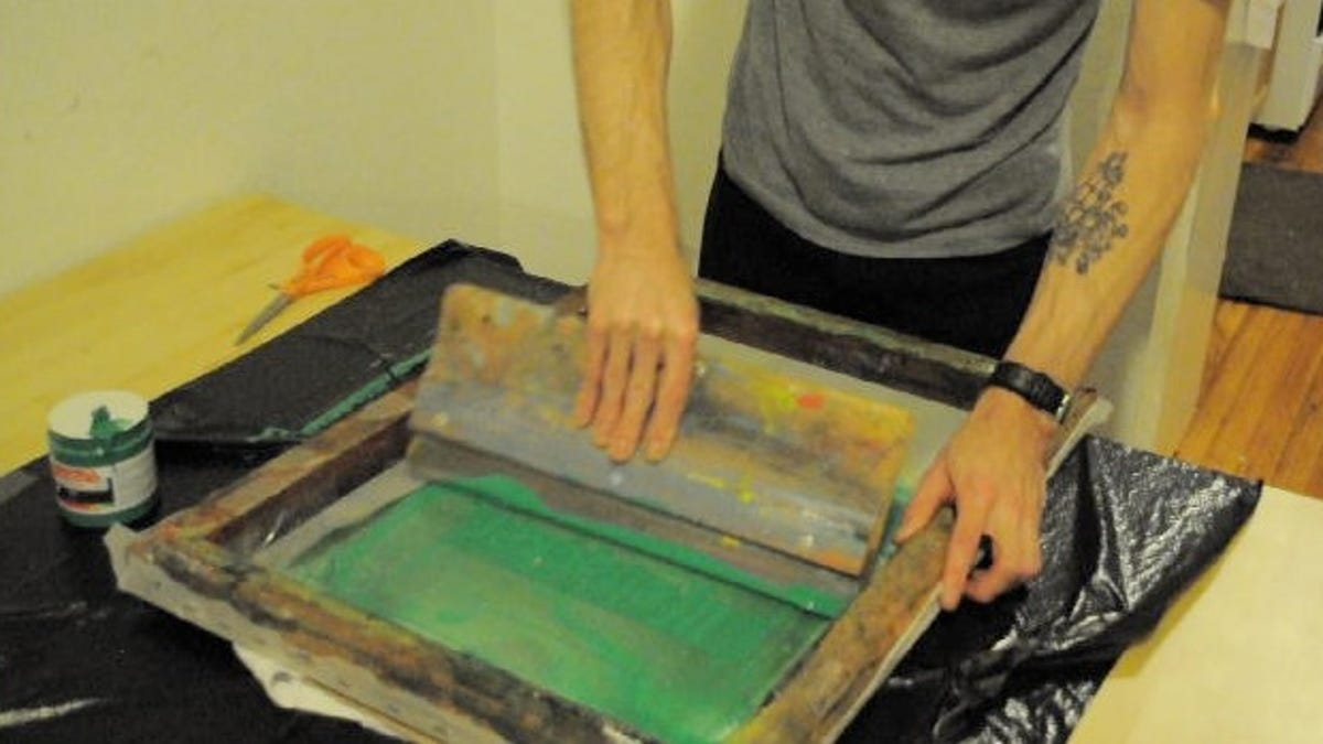 A Simple Guide to Screen Printing Your Own Shirts