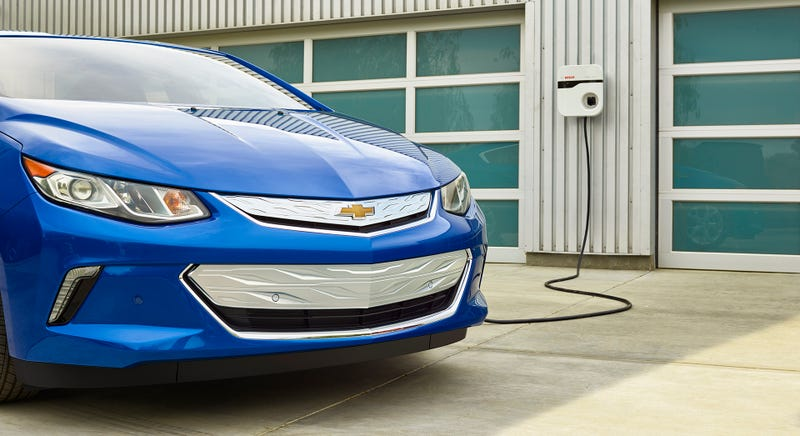 Illustration for article titled The 2016 Chevy Volt Is $1,175 Cheaper Than The 2015 Chevy Volt