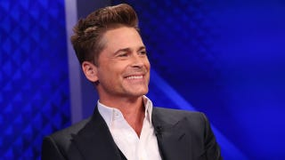 Illustration for article titled Rob Lowe Gets Bored On Flight, Makes Fun Of Crew Uniforms