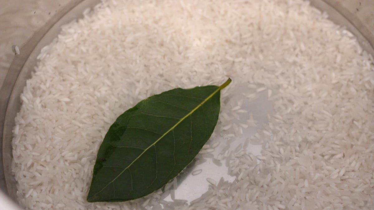 Do Bay Leaves Even Do Anything?