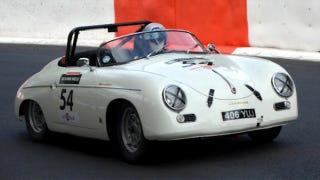 Illustration for article titled This Might Be The World's Only Hand-Controlled Porsche 356 Speedster