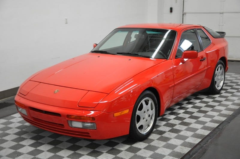 Illustration for article titled This is one particularly low mileage 1989 Porsche 944 Turbo S (UPDATED)
