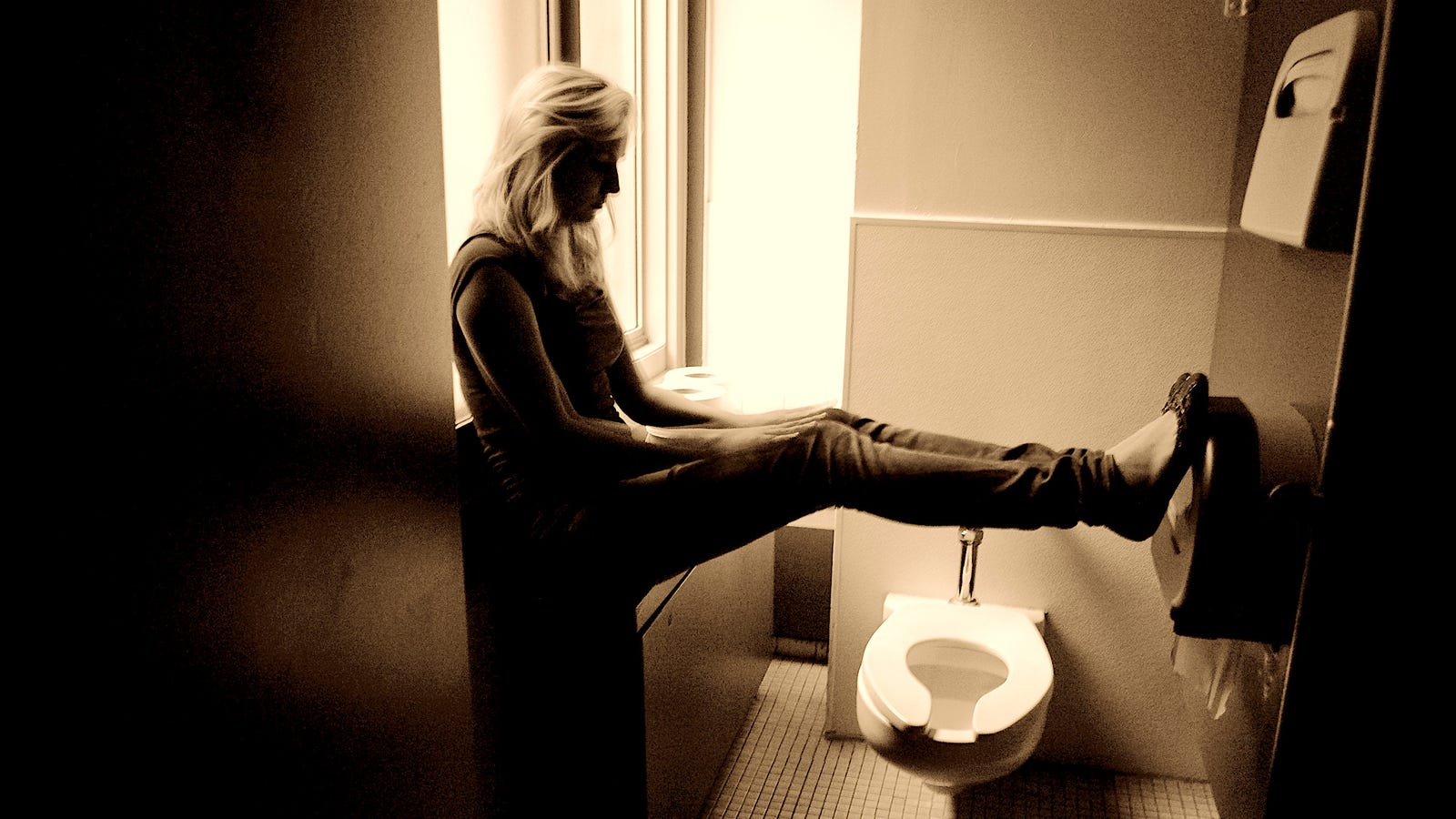How to Poop When You're Traveling