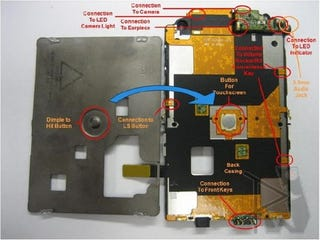 Illustration for article titled BlackBerry Storm Torn Down To Reveal Secrets Of Its Click Screen: A Big Button