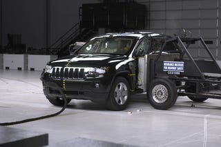 The  Jeep Grand Cherokee Earned A Top Safety Pick From The Iihs Following Their Midsize Suv Tests Among Others They Wrecked A Crosstour