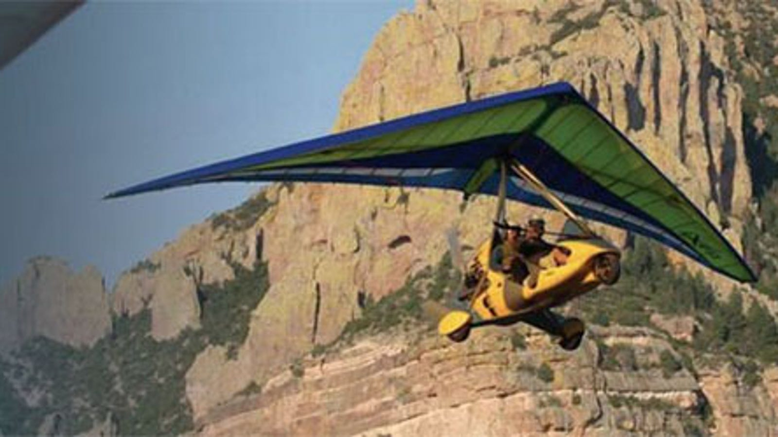 Two-Seated Flying Machine Sounds Like the Perfect Daredevil Date