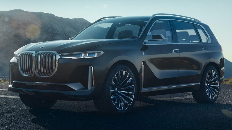 Illustration for article titled Leaked 2018 BMW X7 Pictures Reveal The Kidney Grills Continue To Be A Big Problem