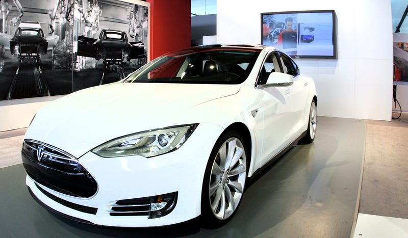 Illustration for article titled Tesla Beats Estimates And Has First Ever Profitable Quarter
