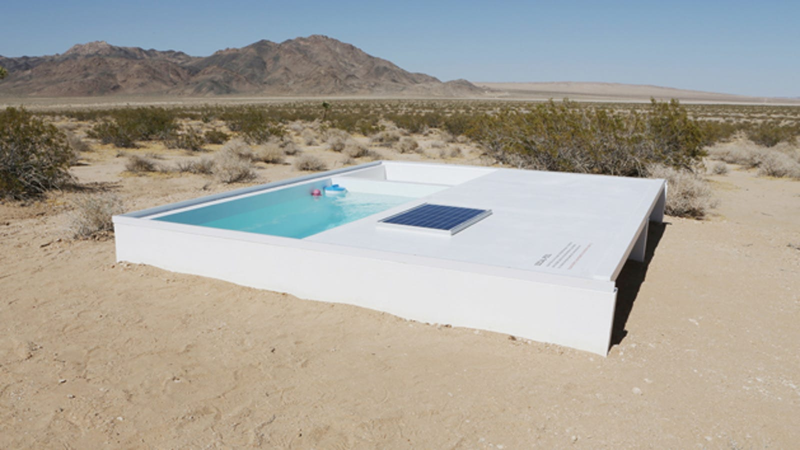 You Can Swim In a Secret Pool in the Mojave Desert, If You Can Find It