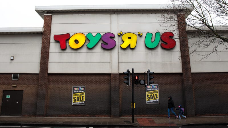 Illustration for article titled Toys R Us is closing all 800 of its remaining U.S. stores